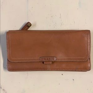 Fossil Multi Compartment Checkbook Clutch Wallet